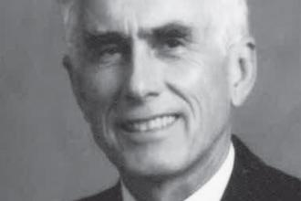 Dr W. Donald Watt