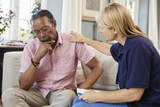 How common are mental health problems in arthritis patients?