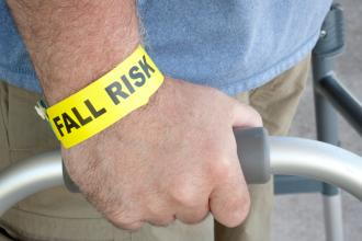 When patients choose to live at risk: What is an ethical approach to intervention?