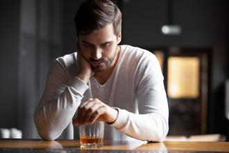 Outpatient treatment of alcohol use disorder